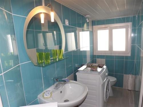 50% de réduction marque populaire qualité incroyable House Maisonnette de pêcheur à 400m du passeur, du marché et ...