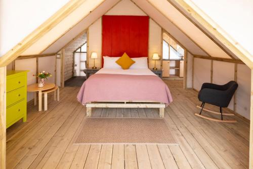 Killarney Glamping at the Grove, Suites and Lodges