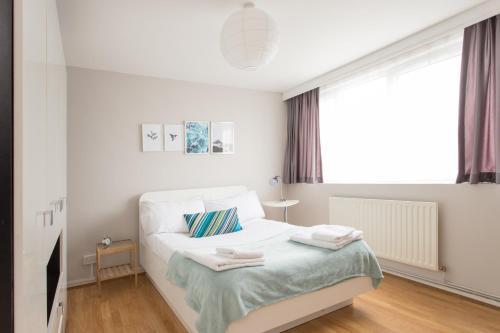 Bright Islington Apartment