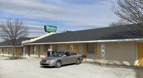 Winstons Air Conditioned Motel