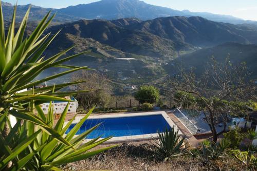 Vine Ridge Studio, Apartment & Pool side Studio - Hotel - Comares