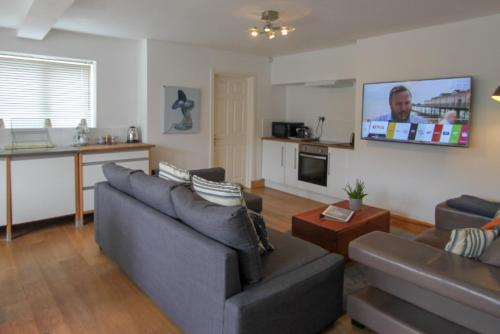 . Apartment 4 - 2 Bedroom Apartment