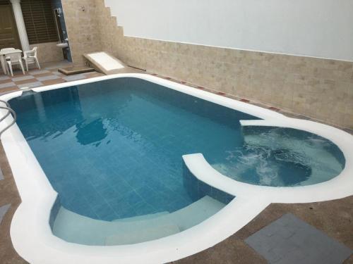 Piscina Con Jacuzzi.A Hotel Com Casa Con Piscina Privada Y Jacuzzi Villa