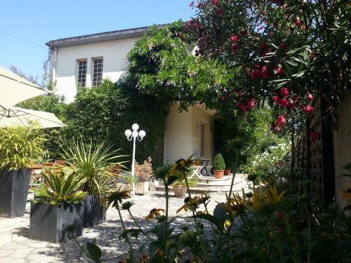 . Hôtel La Résidence