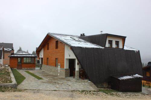 Apartments Zoni - Hotel - Vlašić