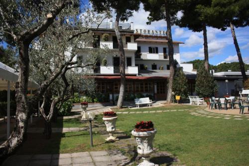 . Hotel Ristorante La Bilancia