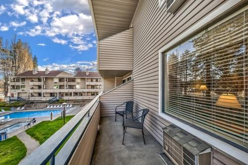 . Poolside Condo Right By The Shores Of Lake Tahoe Condo