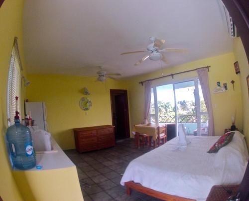 Фото отеля Sea Hawk Suites