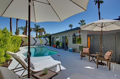 Dips in Palm Springs Main image 1