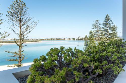 10 Leeding Terrace, Caloundra, QLD 4551, Australia.