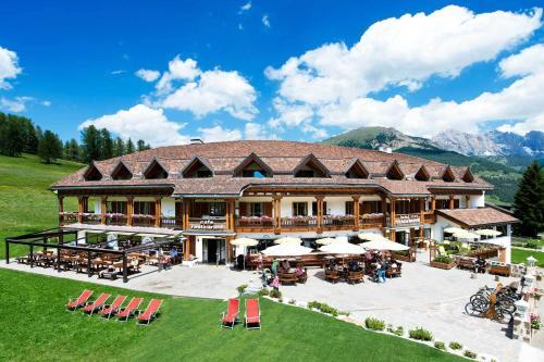 Hotel Cendevaves St. Christina - Grödental