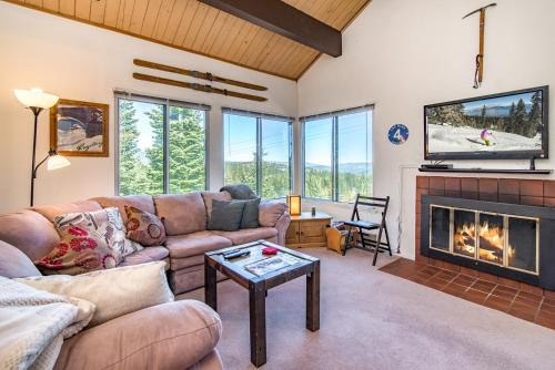. Ski-Hiking and Mountains at Truckee Condo