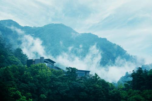 424, Taiwan, Taichung City, Heping District, Taiwan.