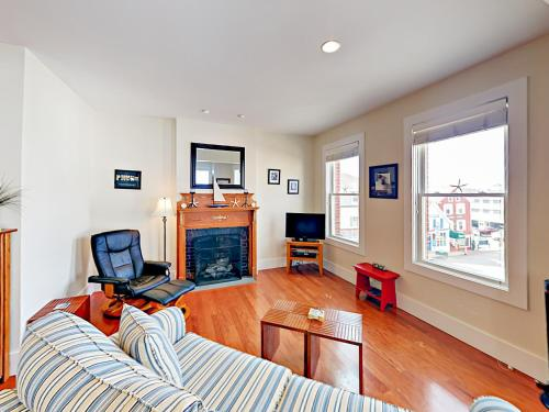 . Downtown Boothbay Harbor Apartment Apts