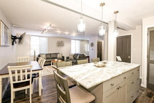 731 East Durant Avenue Condo Unit 22 - Apartment - Aspen