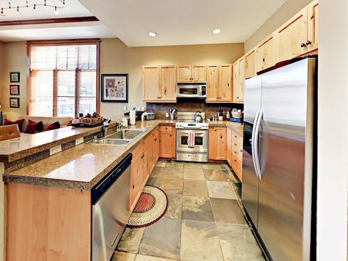 3001 Northstar Drive Condo Unit 109 - Apartment - Truckee