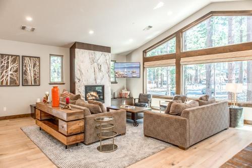 3854 Regina Road Home - South Lake Tahoe