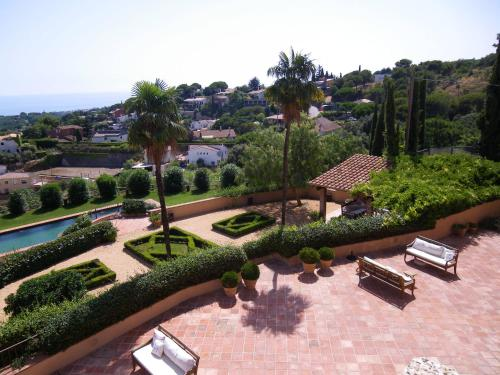 Double or Twin Room with Sea View Can Mora de Dalt 2