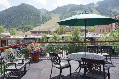 520 Cooper Ave E #305 (203040-6863) Condo - Hotel - Aspen