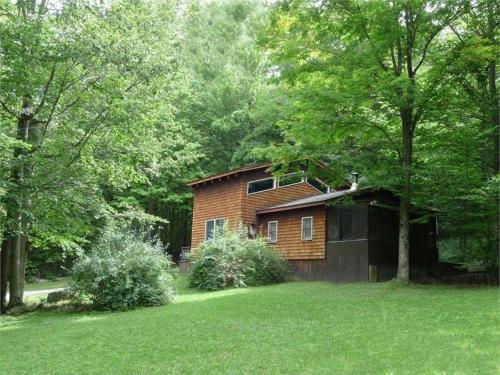 . Cedarwood Lodge