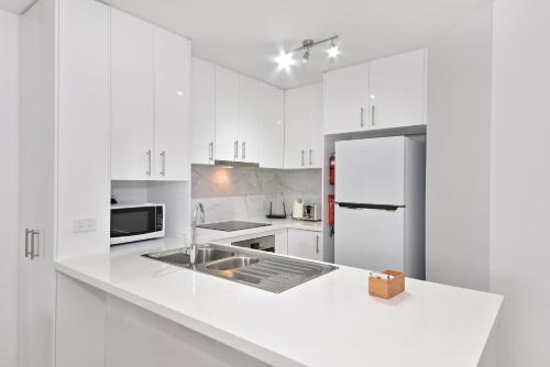 Great location apartment opposite Garden City: 5/8, Melville
