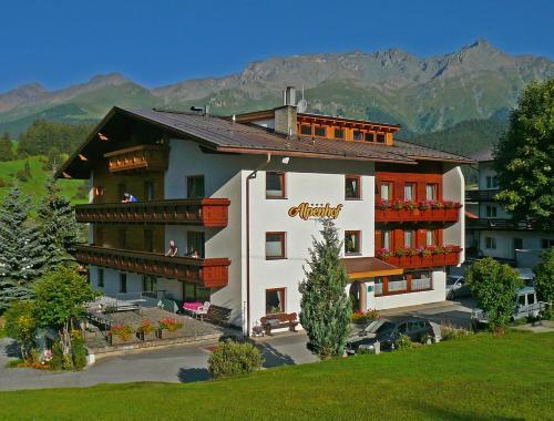 Alpenhof Pension-Garni - Accommodation - Nauders