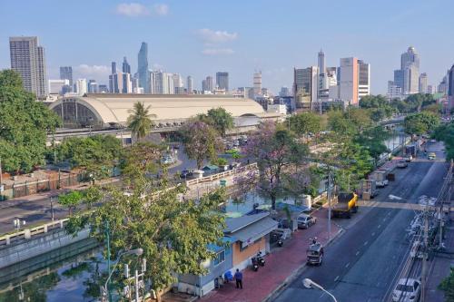 BKK Hua Lamphong Station BKK Hua Lamphong Station
