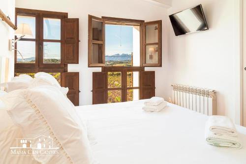 Suite Doble Deluxe - Cama grande Masia Can Canyes & Spa 4