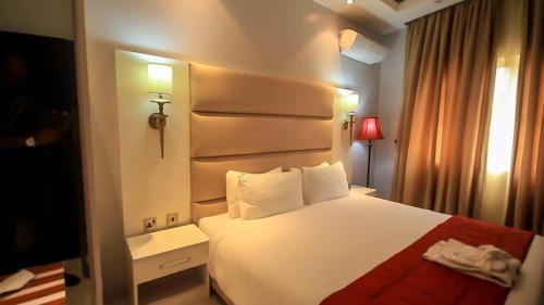 . Glee Hotel