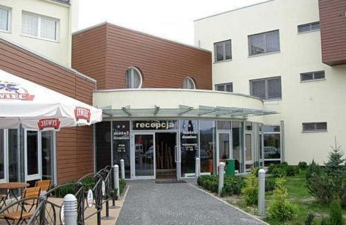 . Hotel Domino