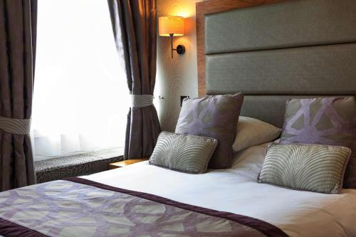 The George Hotel, Sure Hotel Collection by Best Western