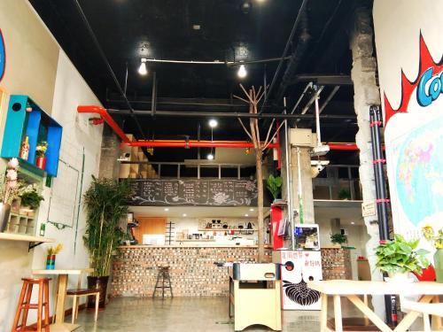 . Simon Coffee Hostel