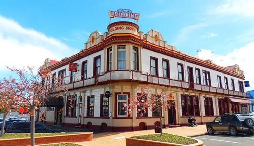 . Feilding Hotel