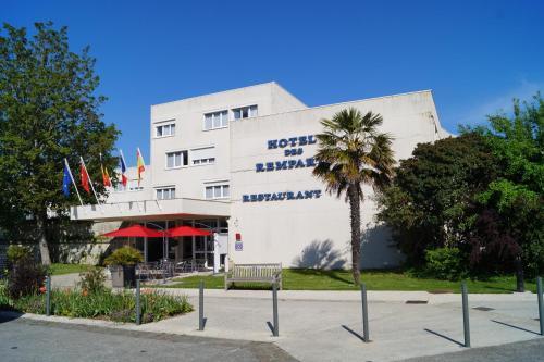 Hôtel & Restaurant des Remparts - Hôtel - Rochefort