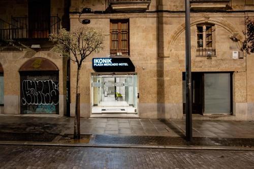 Plaza del Mercado 16, 37001 Salamanca, Spain.