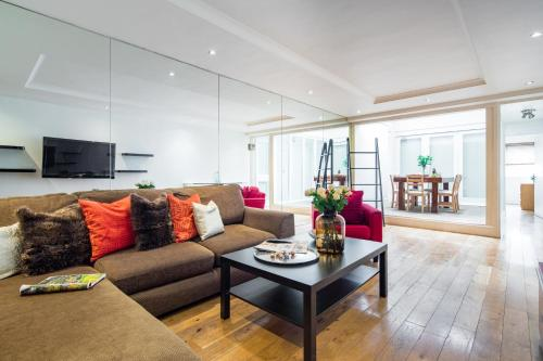 Furnished Apartment in Bayswater