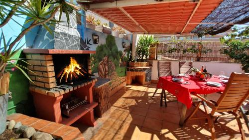 Hotel Attic with Terrace & Barbecue, Airport Barcelona