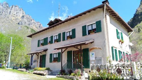 Agriturismo Piccole Dolomiti - Hotel - Lavenone
