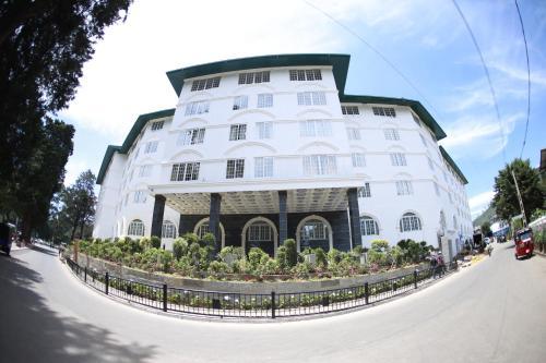 . Araliya Green City Hotel