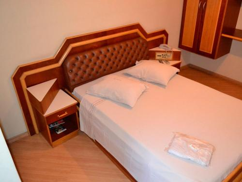Double Room with Fan(1 Double bed) ( Double Room with Fan(1 Double bed))