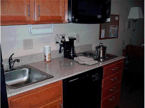 Candlewood Suites Bartlesville East - Bartlesville, OK 74006