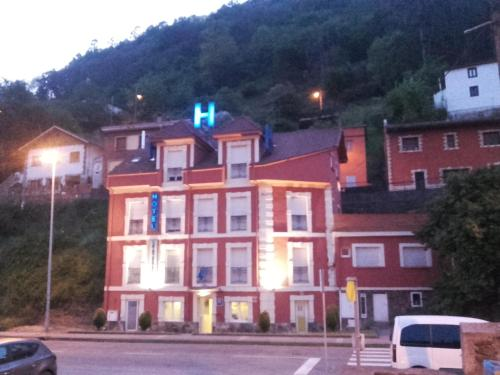 __{offers.Best_flights}__ Hotel Rio Caudal