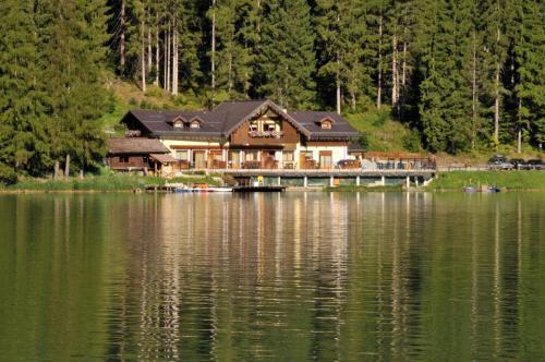 Appartamenti Chalet al Lago - Accommodation - Alleghe