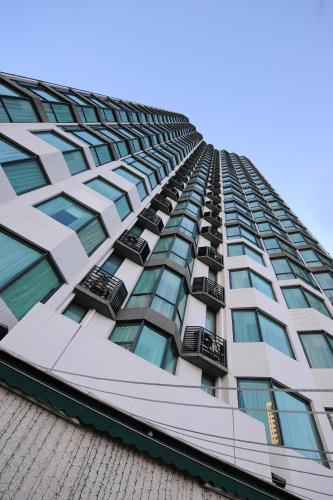 Bishop Lei International House, 4 Robinson Road, Mid-Levels, Hong Kong.