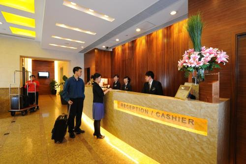 Bishop Lei International House photo 23