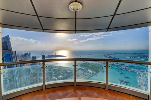Luxurious 4 Bedroom 82nd High Floor Apartment With Full Sea And Skyline View