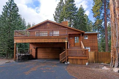 Cottonwood Place Vacation Home - Hotel - Tahoe Vista