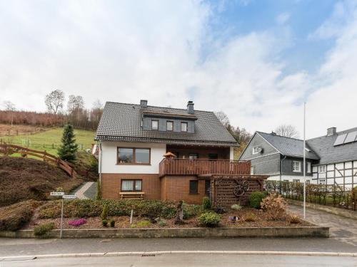 . Charming Apartment with Garden near Ski Area in Olsberg
