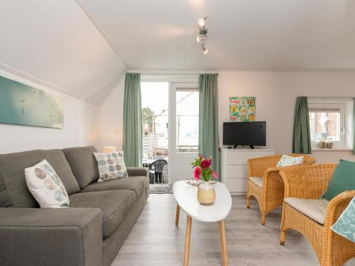 . Quaint Apartment in Schoorl near Tennis Court