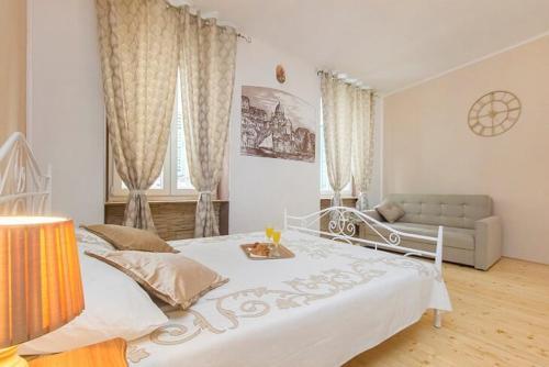 Antique Studio Apartment (old town Sibenik)